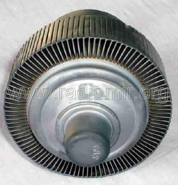 ГУ74Б Мощный метало-керамический тетрод. Анод