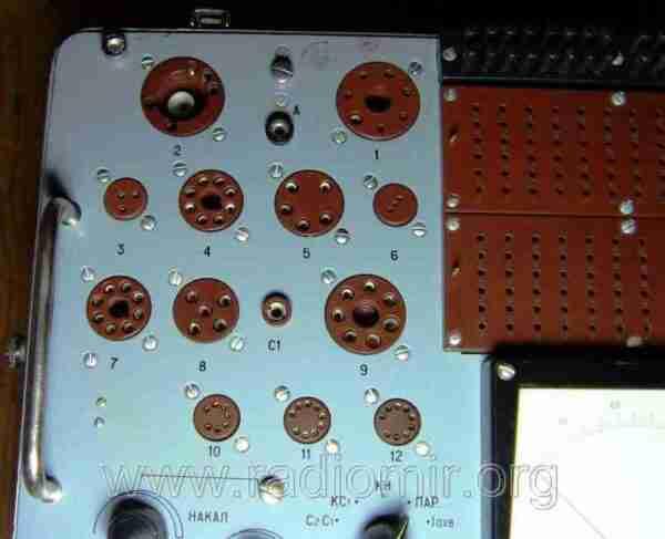 Л3-3 - Измеритель параметров электронных ламп. Гнезда для ламп