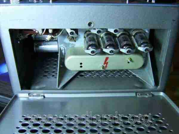 Л3-3 - Измеритель параметров электронных ламп. Панель с лампами